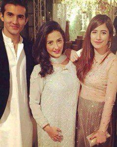 Pakistani Celebrities Who Are Cousins In Reality | Pakistani Drama