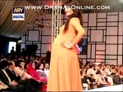 pakistani-celebrities-baby-bumps-3