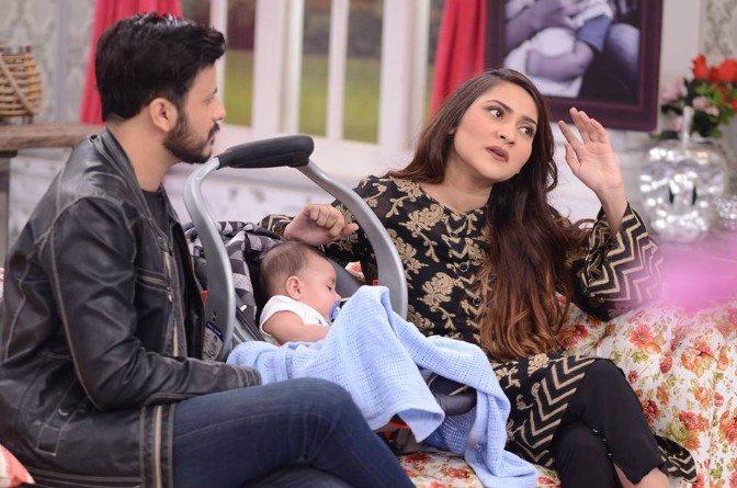 Sana Askari With Son 4