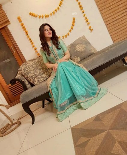 aiman khan and muneeb butt first dholki pictures
