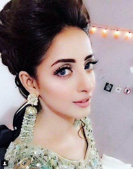Sanam Chaudhry Beautiful Amp Gorgeous 3 Days Look At Sidra