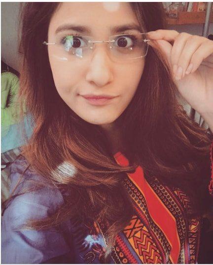 Beautiful Pictures of Hina Altaf on the Set of Drama Kuch Na Kaho   Pakistani Drama Celebrities