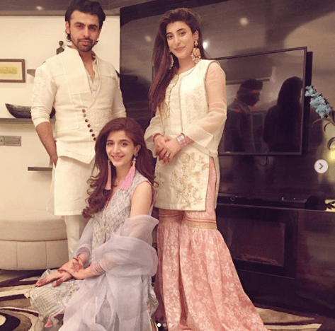 Gorgeous Mawra and Urwa Hocane with Family on Eid Day ...