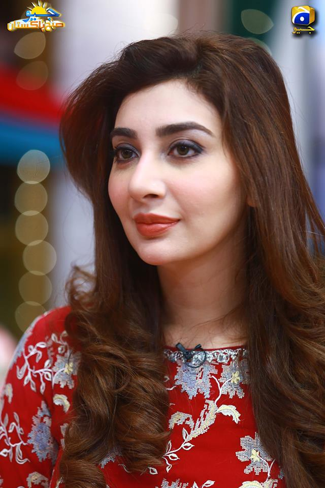 gorgeous ayesha khan in shaista lodhi morning show geo subh pakistan