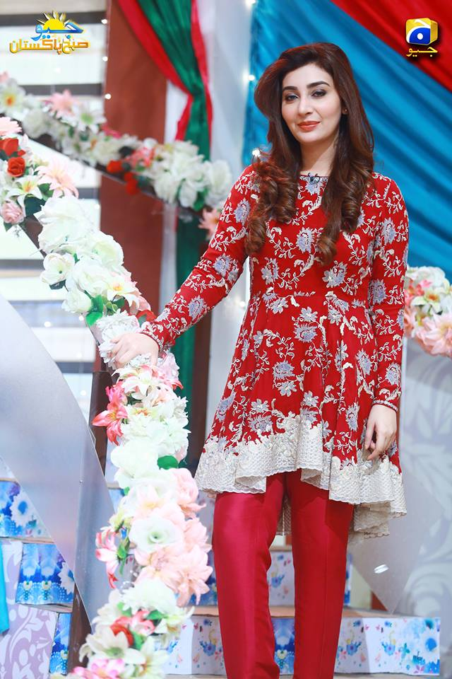 Gorgeous Ayesha Khan in Shaista Lodhi Morning Show Geo ...