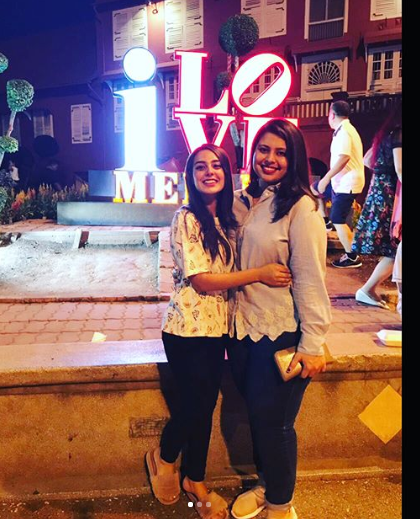beautiful clicks of iqra aziz with her sister sidra aziz