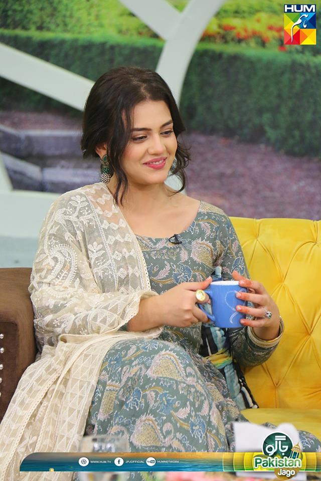 beautiful zara noor abbas and shaz khan in sanam jung