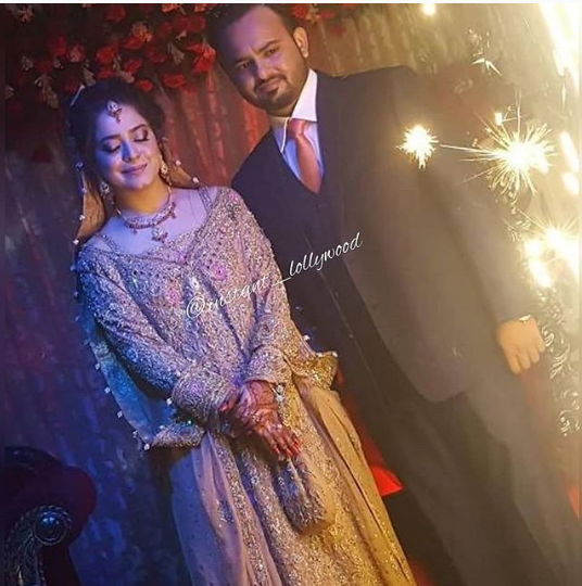 Latest Beautiful Pictures Of Sarah Razi With Her Husband