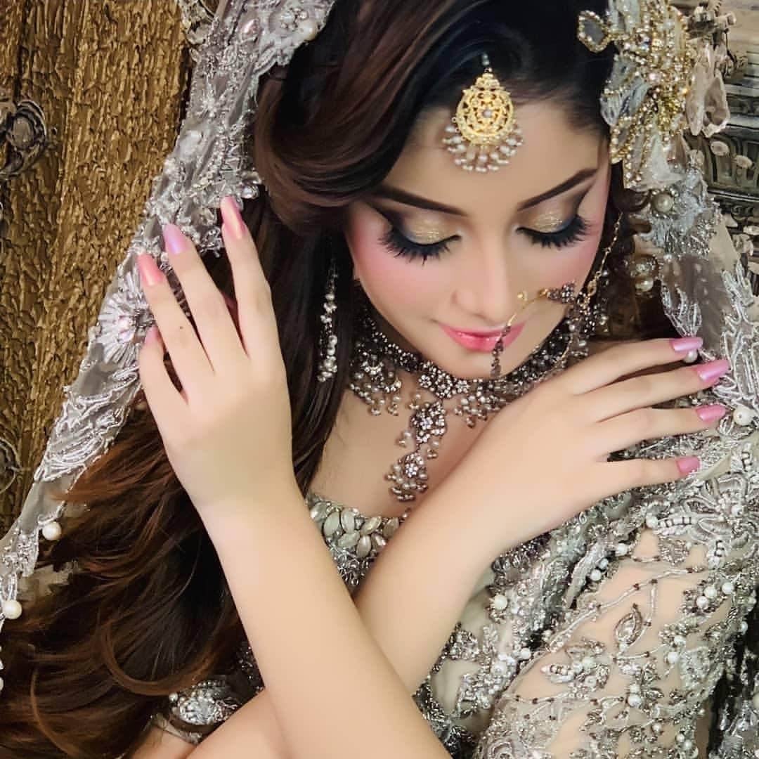 Latest Beautiful Bridal Photoshoot Of Actress Alizeh Shah