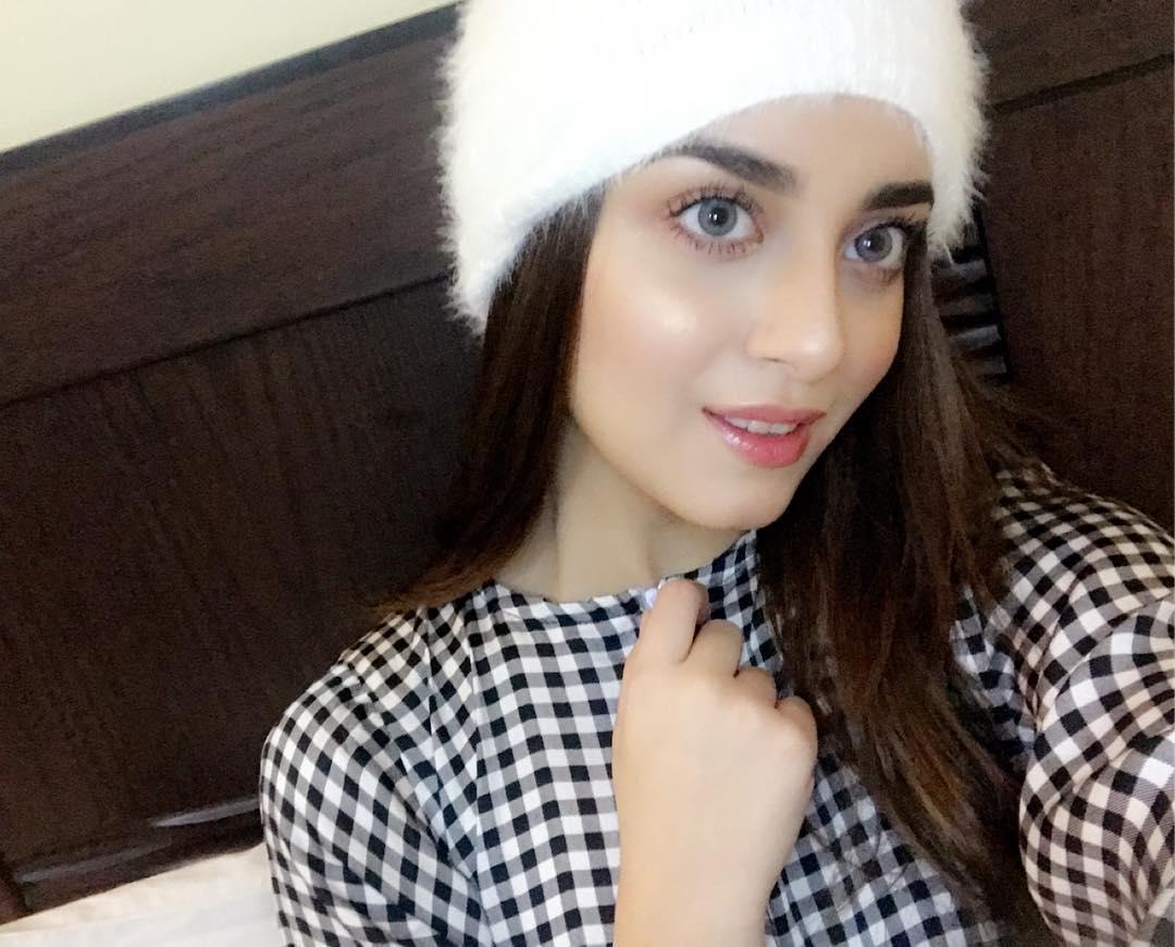 Latest Beautiful Clicks Of Actress Alizeh Shah Pakistani