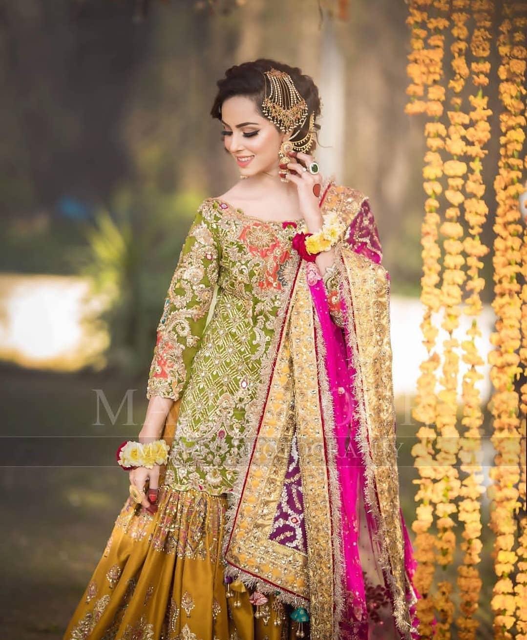 Beautiful Mehndi Photoshoot Of Nimra Khan Pakistani Drama Celebrities