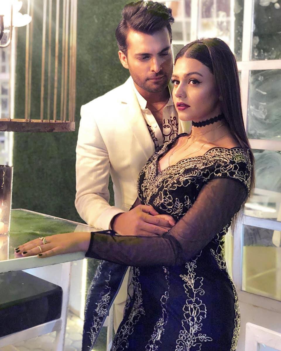 Beautiful Photoshoot Of Zara Noor Abbas And Asad Siddique