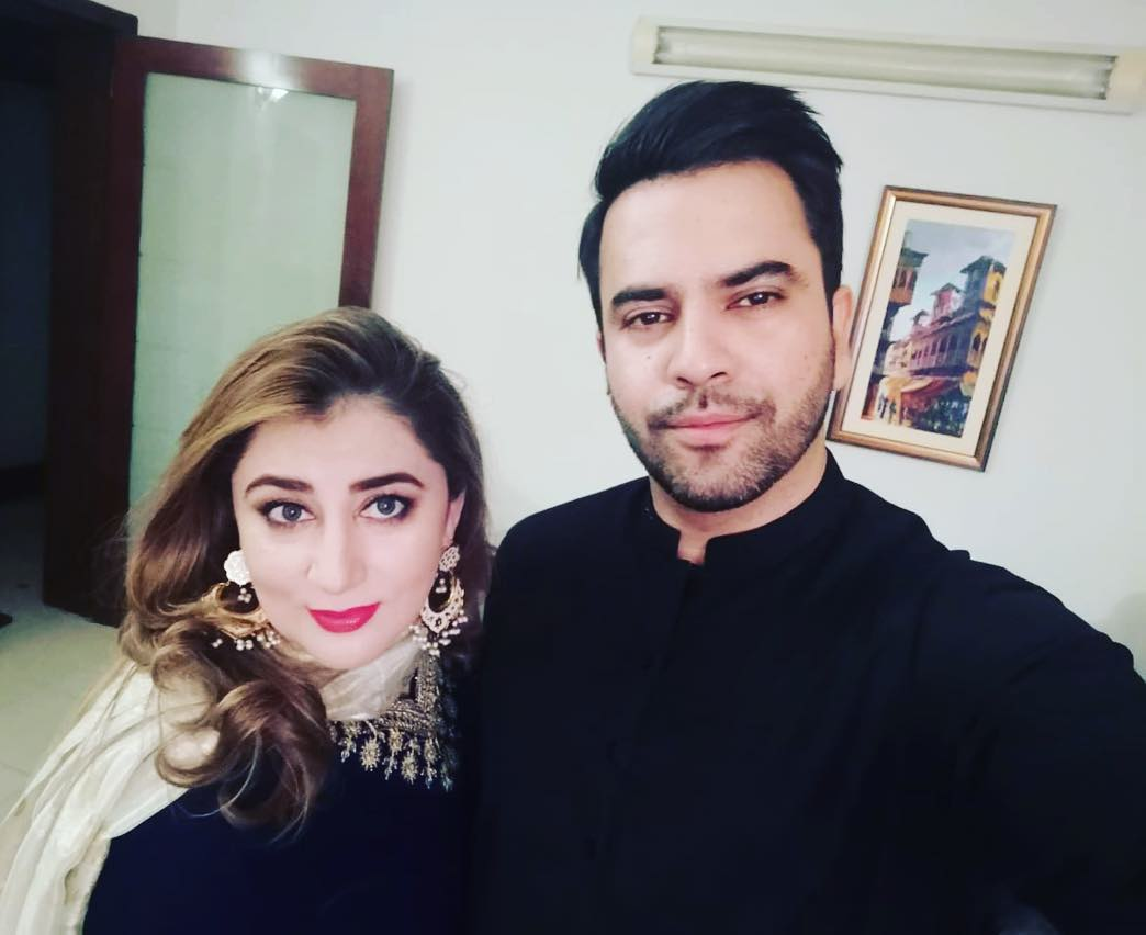 Latest Pictures Of Junaid Khan With His Wife And Son In