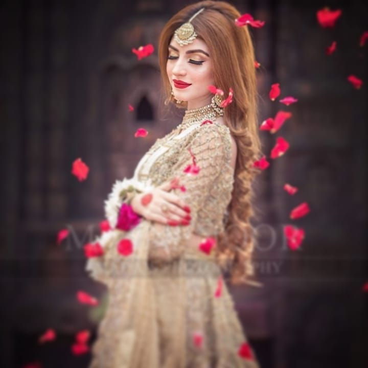 Kinza Hashmi Looking Gorgeous in her Latest Bridal