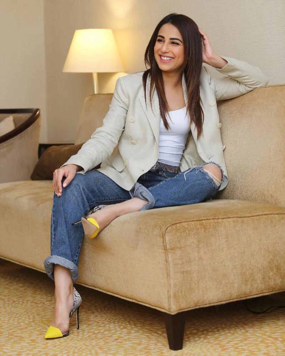 latest clicks of actress ushna shah