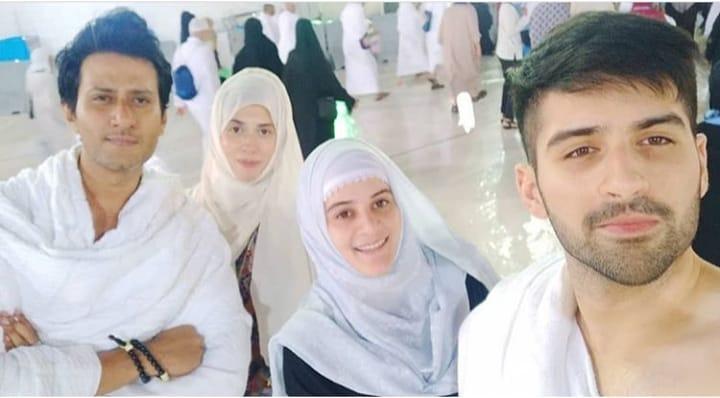 latest beautiful clicks of aiman and muneeb in makkah