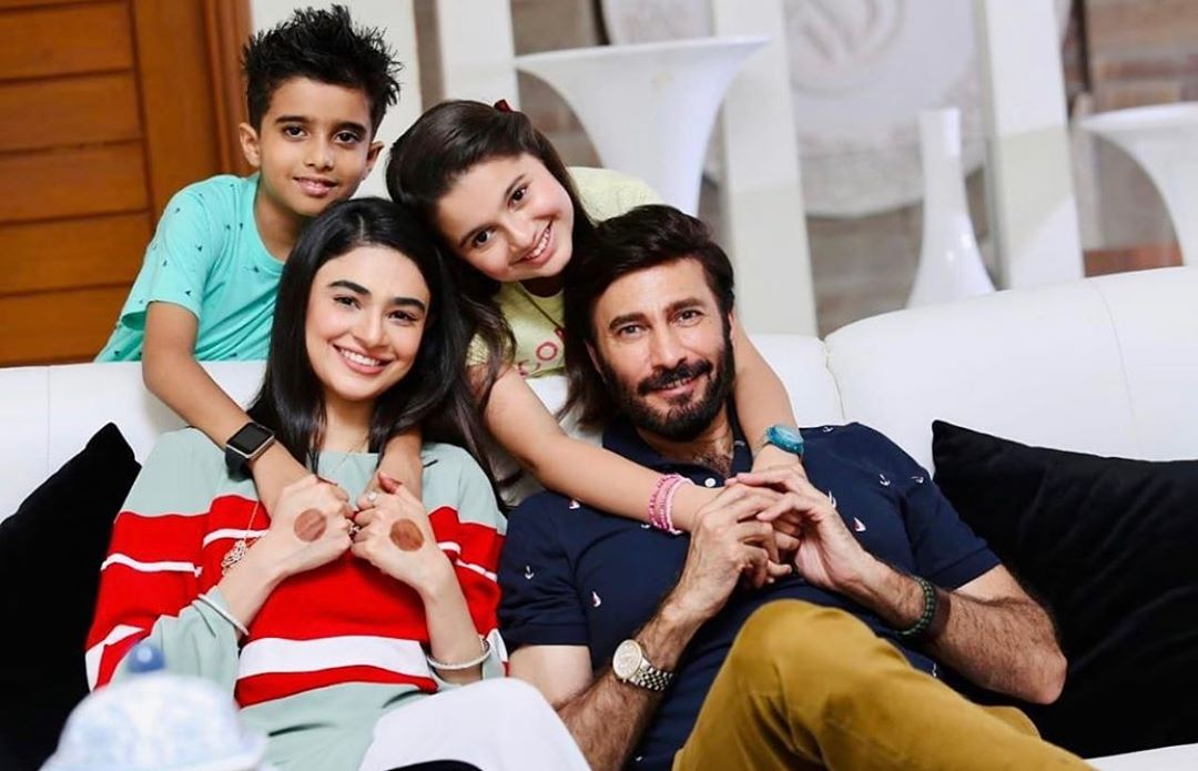 Saheefa Jabbar And Aijaz Aslam On The Set Of Their Upcoming Drama Log Kia Kahenge Pakistani Drama Celebrities