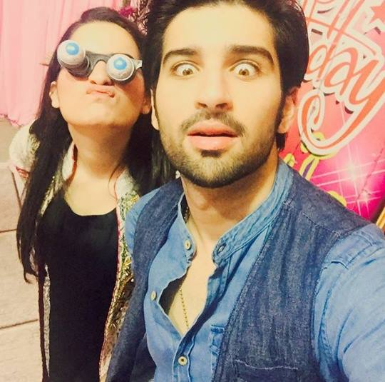 top pictures of adorable couple aiman khan and muneeb butt  top 10 pictures of adorable couple aiman khan and muneeb butt 9